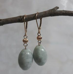 Vintage 14kt gold jadeite earrings